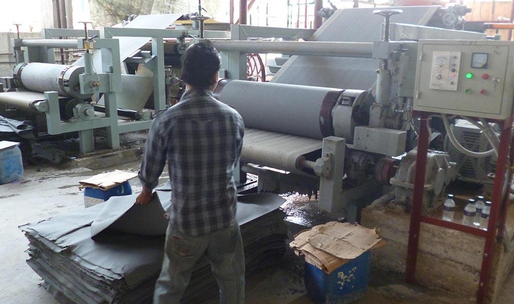 Double Moulds Sludge Paperboard Production Line